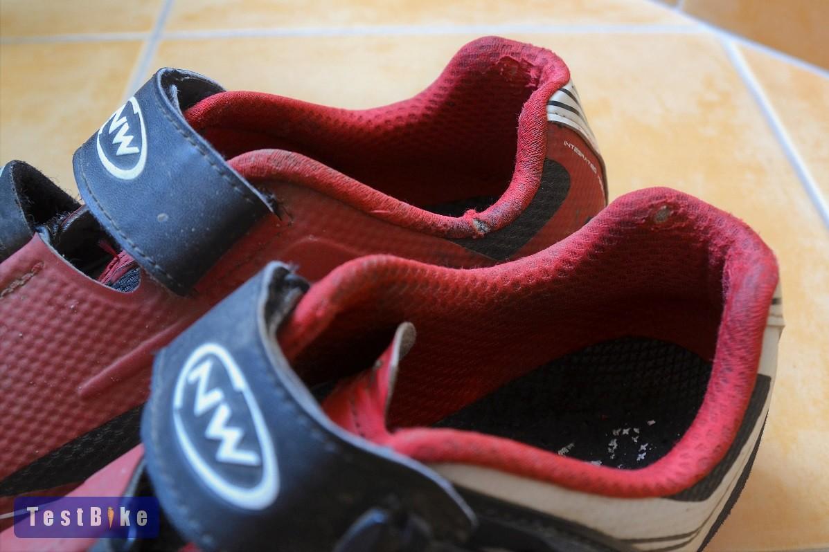 Northwave Scorpius SRS 2014 kerékpáros cipő. Belső rész ~3 év után cd5bdd6494